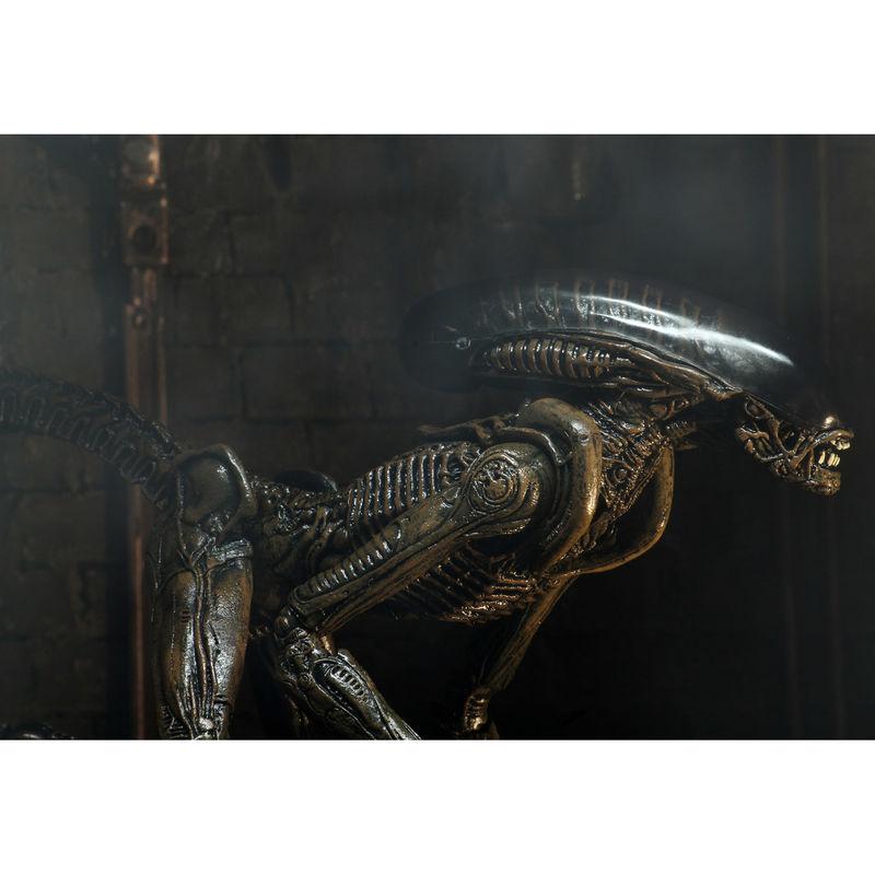 Alien 3 Ultimate Dog Alien Mozgatható SDCC figura 23cm termékfotó