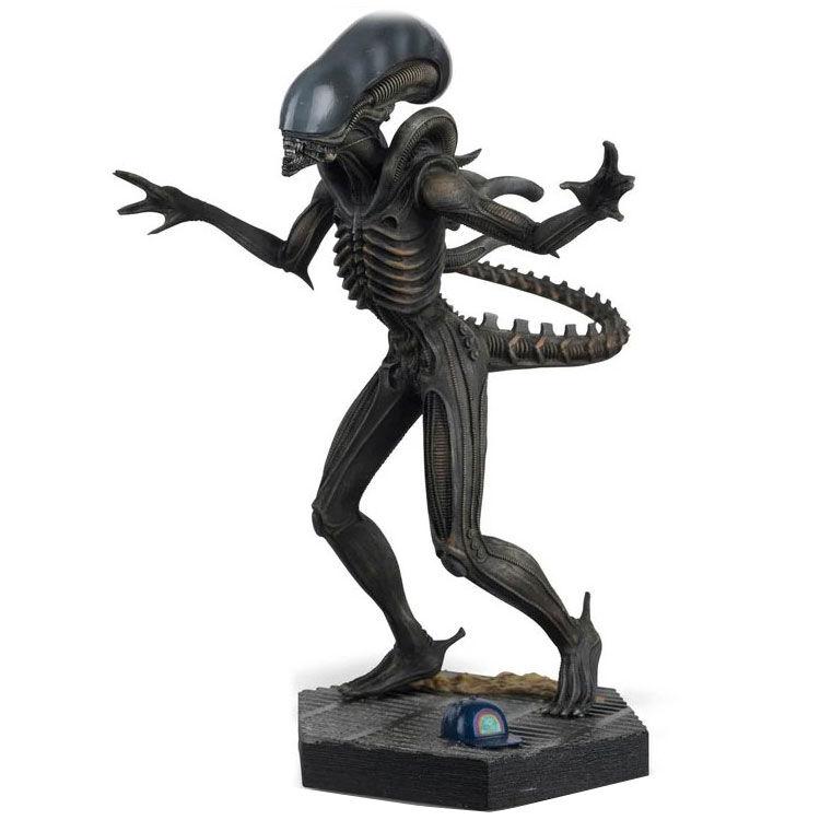Alien Xenomorph The Alien Predator figura 15cm termékfotó