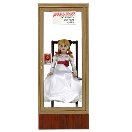 Annabelle Comes Home Ultimate Annabelle figura 15cm ajándékba
